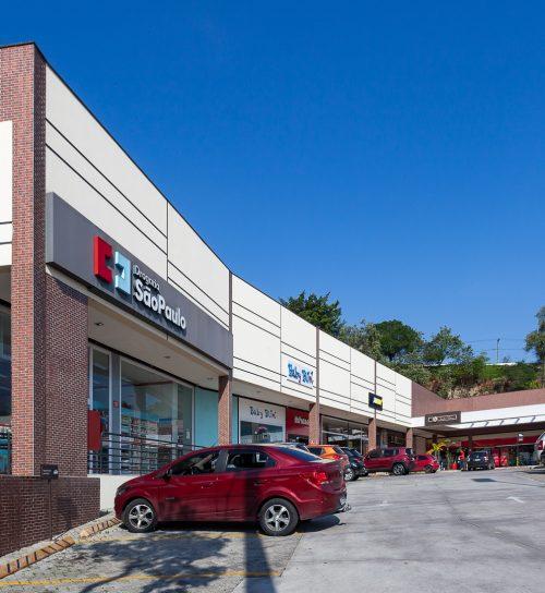 Best Center Embu das Artes - Elias Yazbek estacionamento lateral