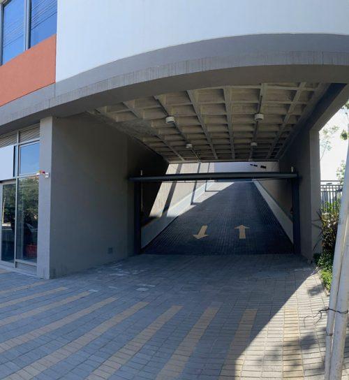 Best Center Miguel Yunes entrada estacionamento